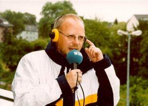 Müller-Bringmann arbeitete zwölf Jahre für den WDR-Hörfunk und das WDR Fernsehen.