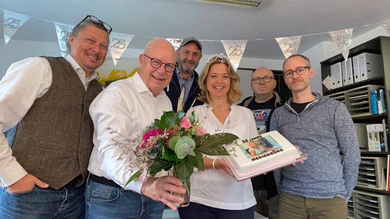 Katrin Hilger feiert 25 Jahre Redakteurin im Medienbüro Müller-Bringmann